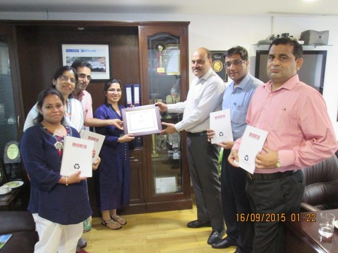 Vasudha and Vivek Mehta of JAAGRUTI Waste Paper Recycling Services hand over the Certificate of Recycling to the CEO of BSES Rajdhani Power Limited in presence of the team at BRPL that helped roll the Paper Recycling Initiative across all offices of theirs in Delhi